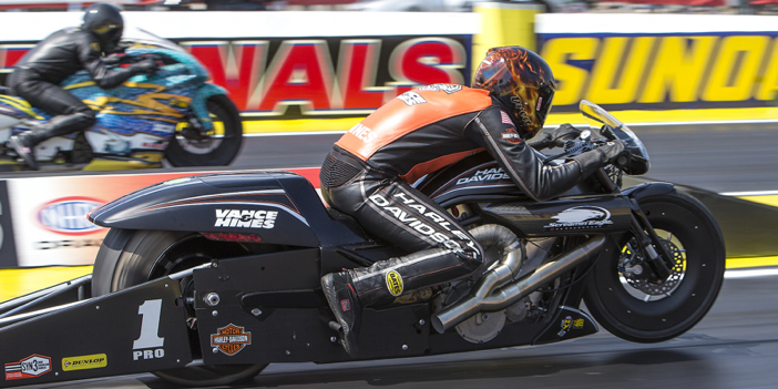 2016_NHRA_INDY_A_Hines31
